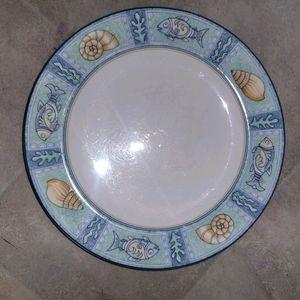 Studio Nova collectible fish plate